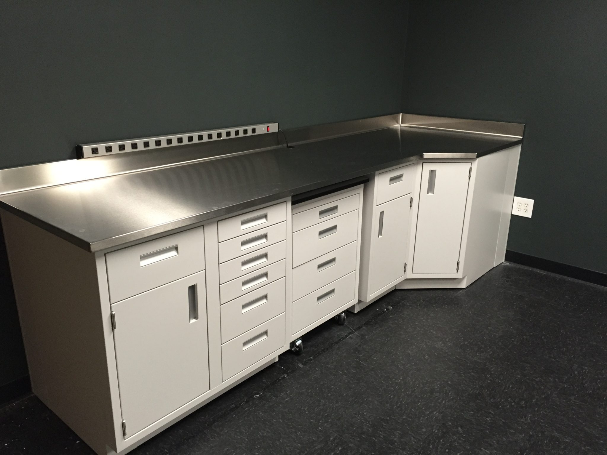 Laboratory Countertops & Sinks | LOC Scientific